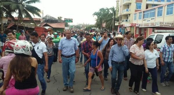 Ecuador despliega personal y equipo para atender emergencia