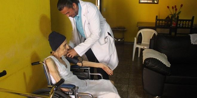 Comuna realiza jornadas médicas y charlas para prevenir enfermedades