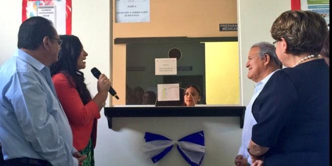 Presidente inaugura la tercera Clínica Especializada en Santa Ana