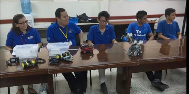 """Participantes de la competencia """"RoboCupJunior Taiwán Open 2016 reciben reconocimiento"""
