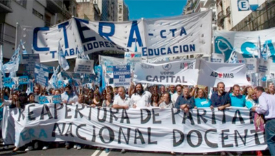 Docentes argentinos convocan a huelga nacional