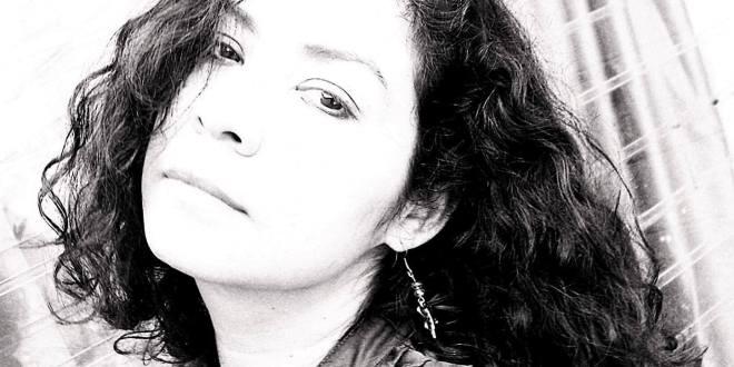 """Lya Ayala Arteaga: """"Yo no he podido traicionar mis temas, escribo sobre lo que me importa"""""""