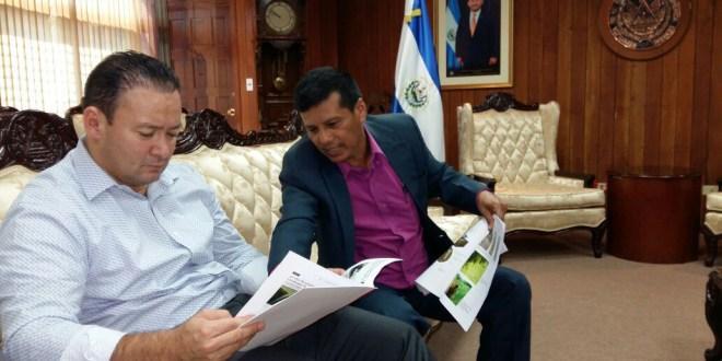 Presidente de la Asamblea Legislativa respaldará trabajo de criminalista forense
