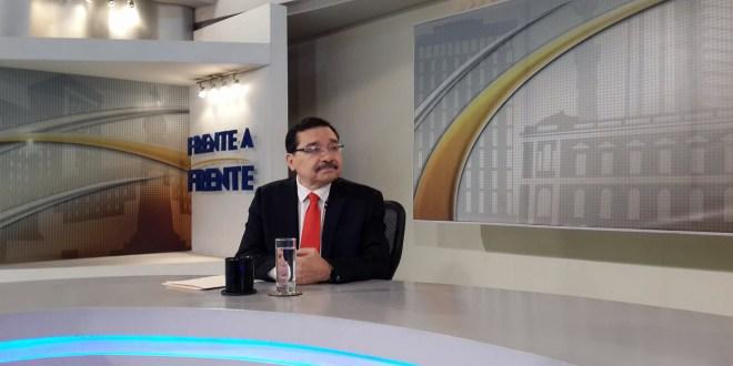 "FMLN califica la salida de  ARENA de mesas de diálogo  como ""soberbia política"""