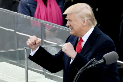 Trump sacrifica programas sociales de Estados Unidos y la lucha mundial contra el cambio climático para aumentar el gasto en defensa