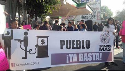 """""""Gasolinazo"""" en México causa enfrentamientos con policías y nuevos saqueos"""