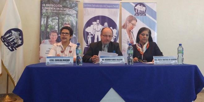 CONNA sensibiliza a personal  del ISSS sobre la Ley LEPINA
