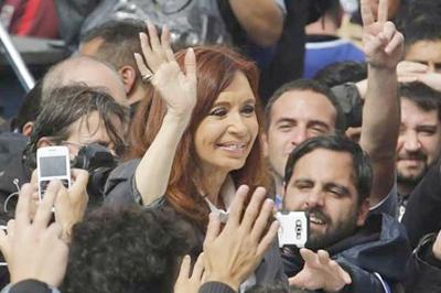Cristina Fernández pide acompañar marcha de centrales obreras