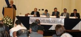 Nacemos con la voluntad de defender y rescatar la Constitución de la República: Rogelio Canales
