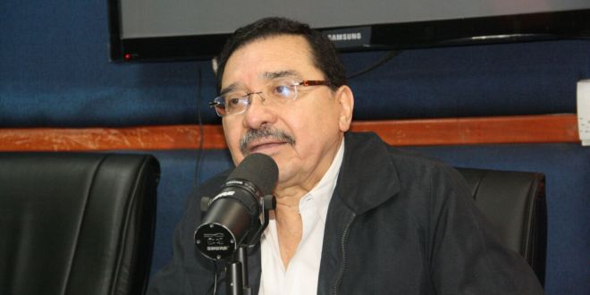 """""""No podemos decir sí a la minería porque nos haríamos daño a nosotros mismos"""": FMLN"""