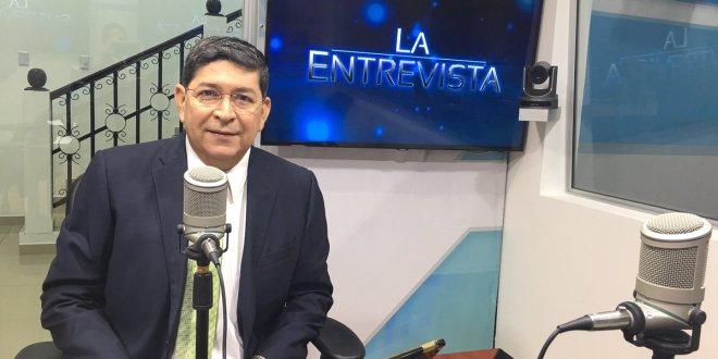 """Walter Araujo pide al fiscal y a Sala de lo Constitucional no dejarse utilizar por la """"vieja derecha"""""""