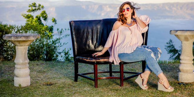 Connie Andrade: Modelo salvadoreña  de alta costura