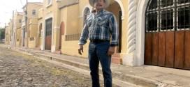 """Armando el """"Torito"""" Infante visita El Salvador"""