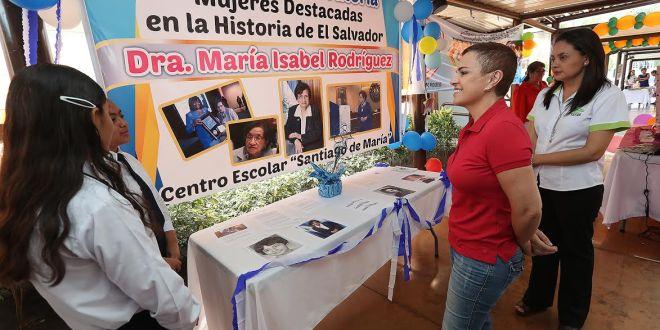 """Ciudad Mujer cierra con evento de oratoria la conmemoración al """"Día Internacional de la Mujer"""""""
