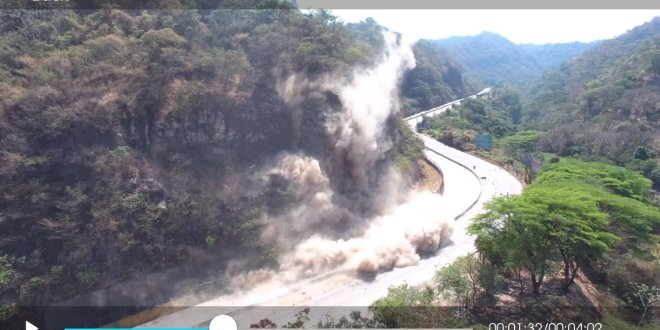 Continúan detonaciones controladas en carretera Los Chorros