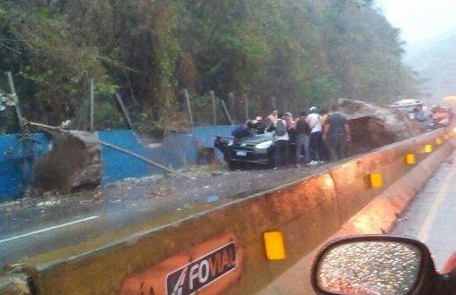 Un muerto y tres personas lesionadas a causa de fuerte sismo
