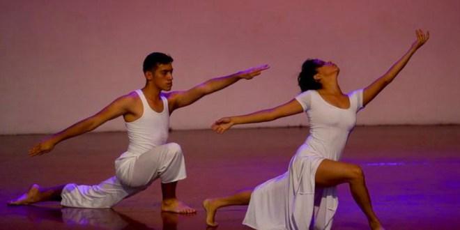 Bailes al son de la tradición y el folklor