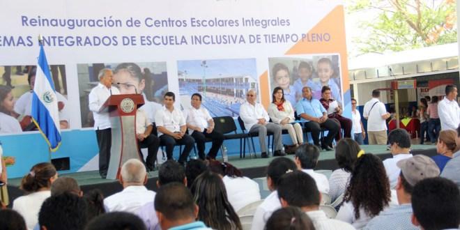 Presidente Sánchez Cerén afirma que no se puede regresar a los modelos educativos excluyentes