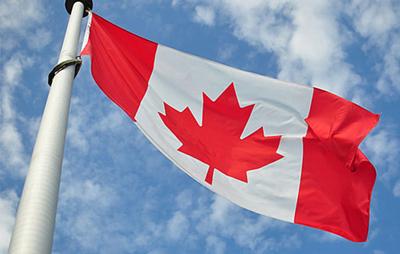 Canadá suspende procesamiento de miles de solicitudes de asilo