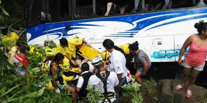 Siete fallecidos por accidente de bus en Olocuilta