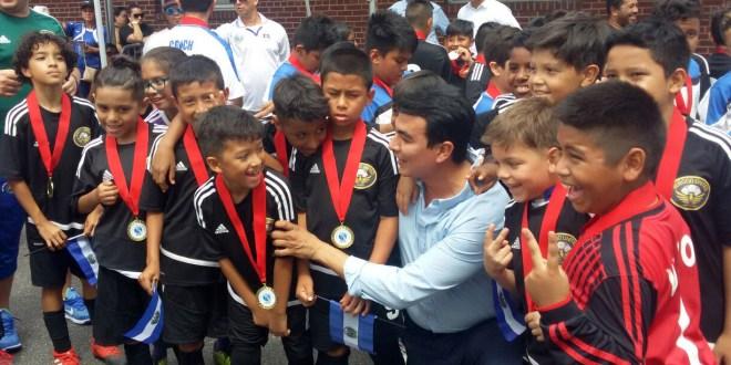 Miguel Pereira influye en los jóvenes a través de las redes sociales
