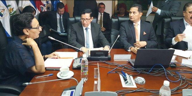 Mil 200 trabajadores del MOP serán beneficiados con reajuste salarial