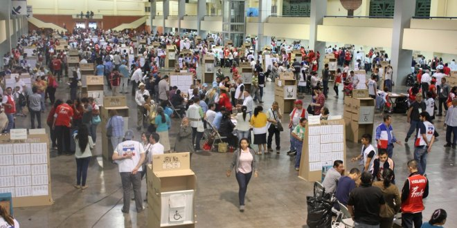 """TSE aclara que 106 mil personas están distribuidas encentros de votación """"bolsón"""""""