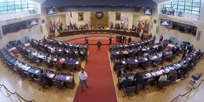 Asamblea aprueba medidas para que los partidos políticos revelen a sus donantes