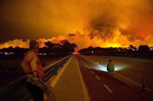 Al menos 36 muertos en oleada de incendios en España y Portugal