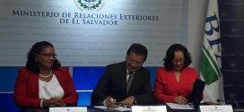 Cancillería y BFA facilitan acceso de servicios financieros a compatriotas