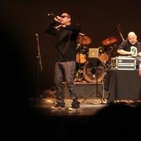 Pescozada prendió el Teatro Nacional con su música. Foto Diario Co Latino/ David Martínez