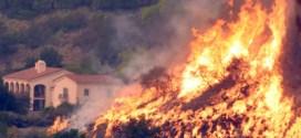 Emiten órdenes de evacuación por gigantesco incendio forestal en California