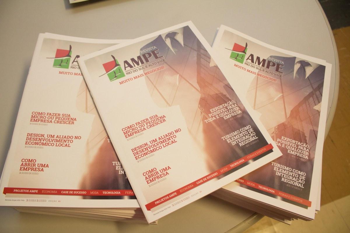 AMPE Alto Vale lança revista Muito mais negócios