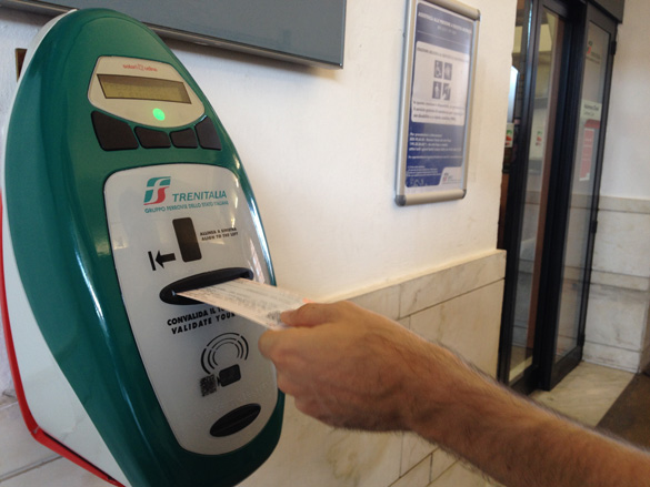 Risultati immagini per validar ticket tren italia