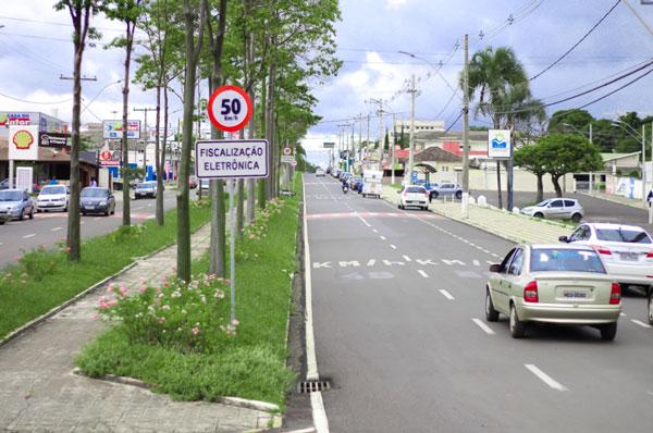 Prefeitura altera o limite de velocidade de sete radares em Araxá