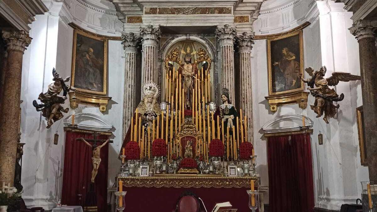 Altar instalado para los cultos de Ecce-Homo el pasado enero.