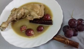 pollo con uvas y nueces