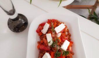 Ensalada de lentejas con queso feta