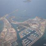 Vista aérea de la zona norte de La Manga del Mar Menor, con las obras de Puerto Mayor.