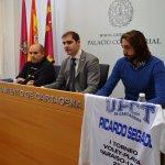 El responsable del Torneo, Javier Meca (der.) presentó ayer el evento en el Ayuntamiento.