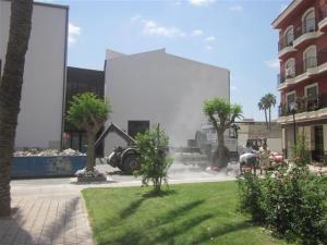 Se completa la urbanización de la Plaza de la Salud frente a la biblioteca municipal