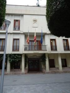 Almoradí aumenta las ayudas al transporte universitario en 1.500 euros