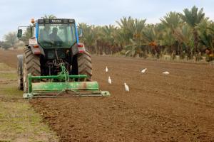 Agricultura abona 50 millones de euros a 44.405 agricultores y empresas del sector hasta mayo de 2015