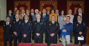 Almoradí condecora a siete policías locales