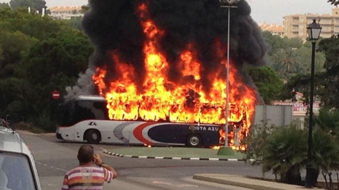 incendio autocar costa azul