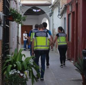 Desmantelan un punto negro de venta de drogas en la Calle Arriba de Orihuela