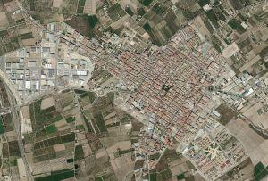 La Conselleria de Vivienda y el Ayuntamiento de Almoradí estudian acciones para mejorar la vivienda pública