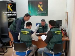 La Guardia Civil de Callosa detiene a una persona que emitía certificados falsos de cursos de formación