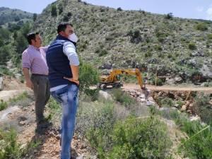 Comienzan las obras de reparación en caminos dañados por la DANA