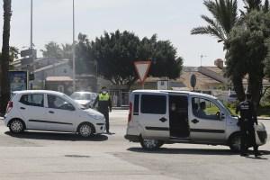 La Policía Local intensifica los controles en los accesos a Torrevieja para evitar la llegada de turistas nacionales